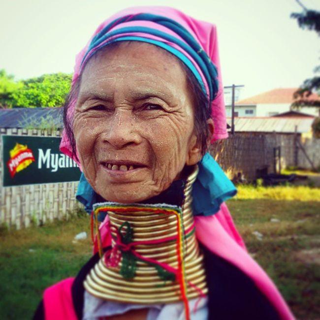 ကိႏၷရာျပည္သူ သို႕ ကယန္း သို႕ ပေဒါင္ Mandalay Myanmar Burma Burmeseethnic Igersmyanmar Igers Igersmandalay Kayan Padaung Vscomyanmar