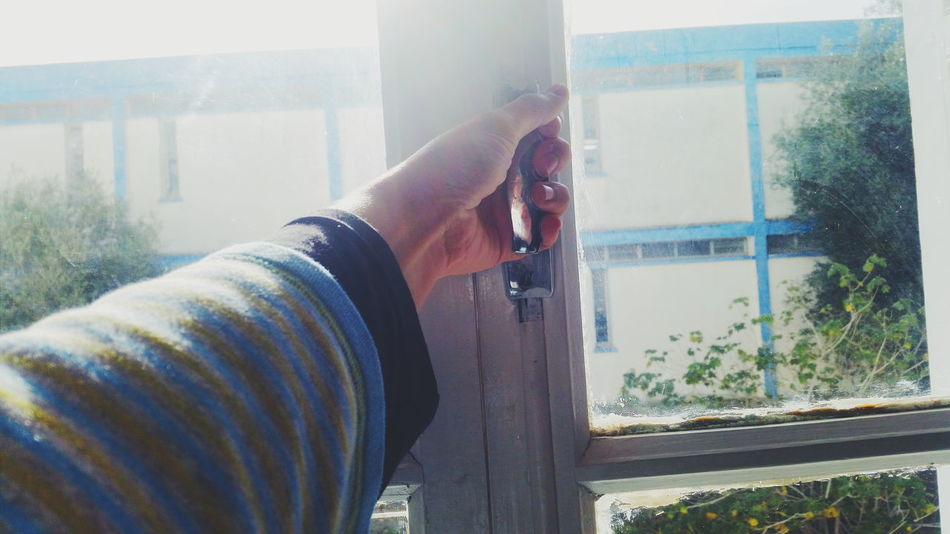 Open up , open that window ! Fenêtre Window Eyeem Tunisia Open And Fly