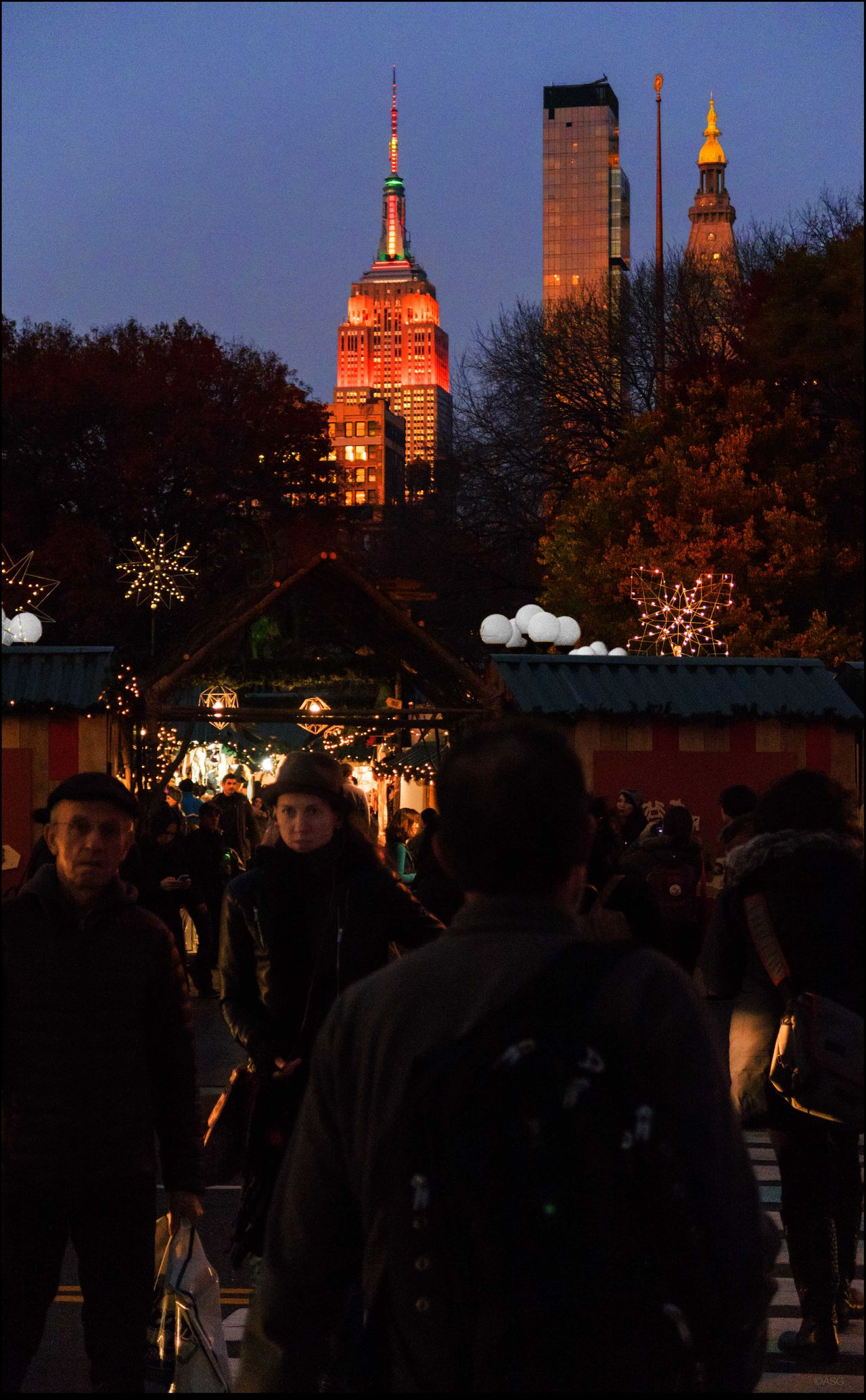 Thanksgiving EvE 11/25/15 Architecture City Life Crowd Empire State Bldg. International Landmark Large Group Of People Men Night Real People Union Sq., NYC Women