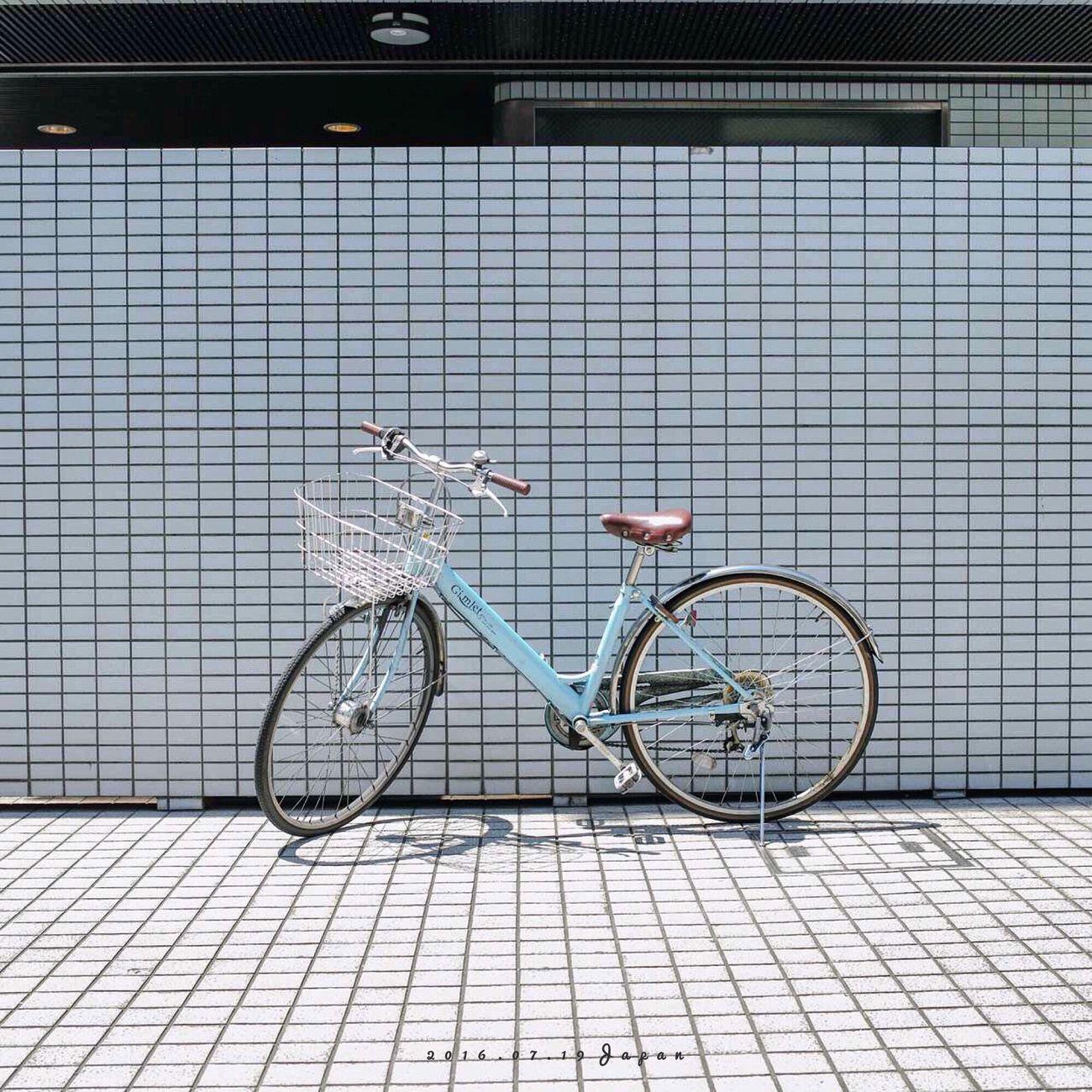 每次來到日本,總控制不住我的手機和相機,拍不夠。 Bike Tokyo Sunshine Photography IPhoneography First Eyeem Photo Travel Enjoying Life Hello World Japan
