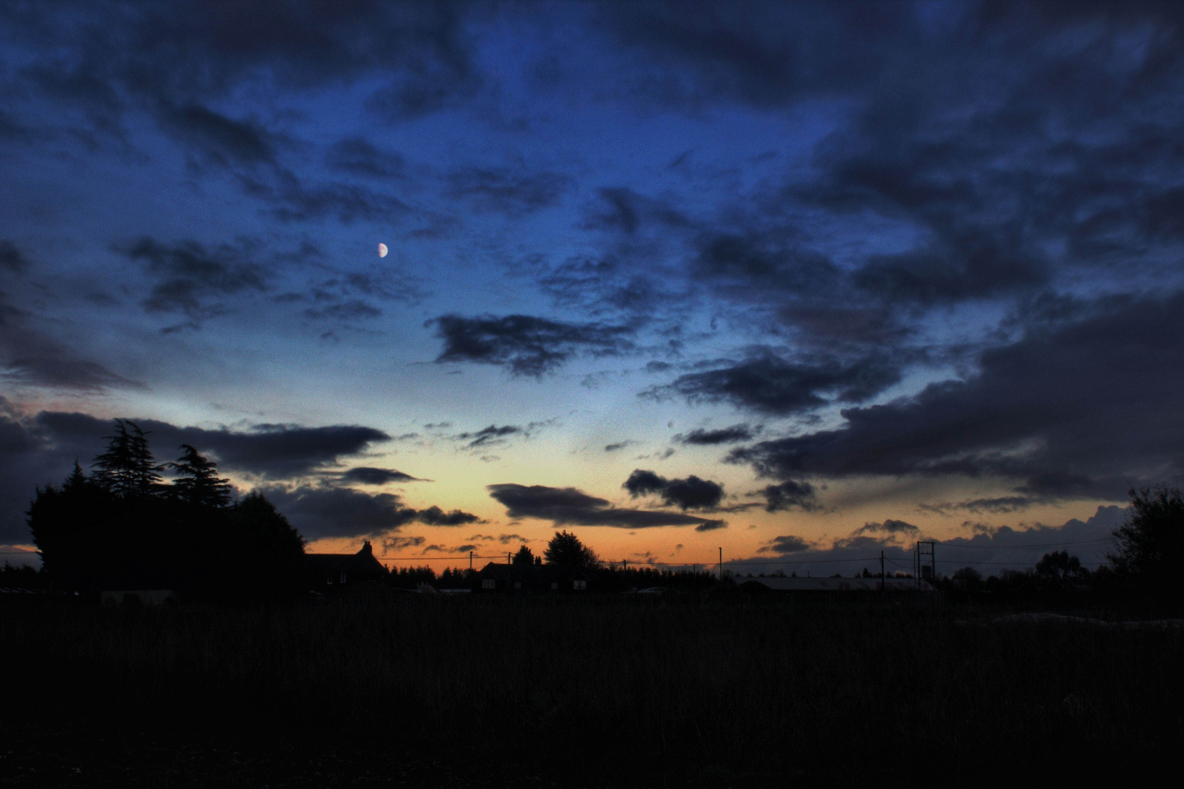 silhouette, sunset, sky, nature, dusk, tree, scenics, no people, dramatic sky, beauty in nature, outdoors, tranquil scene, tranquility, cloud - sky, day