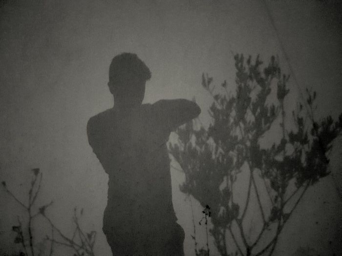 Ombre ☾👤 Nightphotography Night Ombre Wall Taking Photos Check This Out Hanging Out That's Me Me Silhouette Olive Tree Golden Moment Europe Beginnerphotographer Beginner Debutant France 🇫🇷 French Marseille Provence B&w Blackandwhite