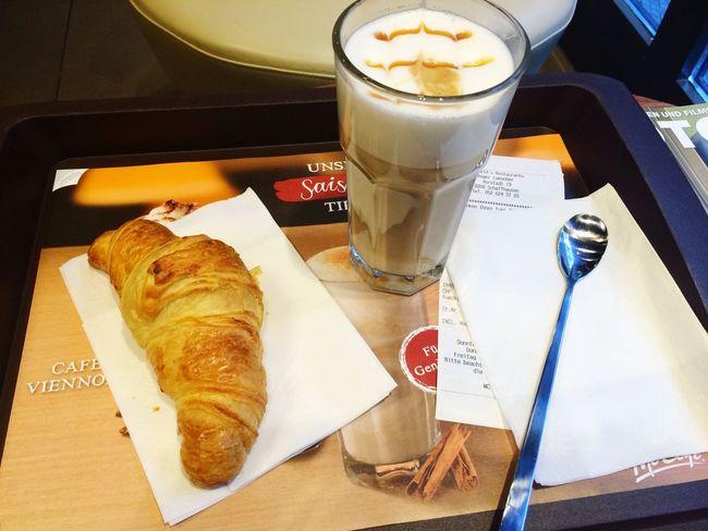 Beim Frühstück Walking Around Relaxing Switzerland