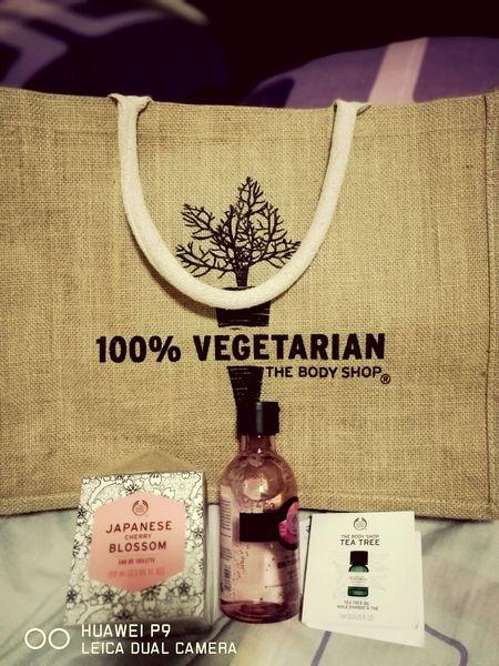 Reward for yourself.. For hard work.. 😘 Perfumelover The Body Shop Rewarding Myself