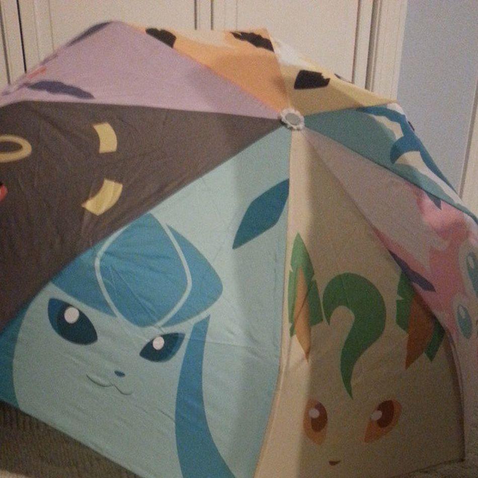 My ma got this umbrella for me! It's damn cute. Pokémon Eeveelutions Eevee Flareon jolteon vaporeon umbreon espeon leafeon glaceon sylveon cute adorable umbrellas