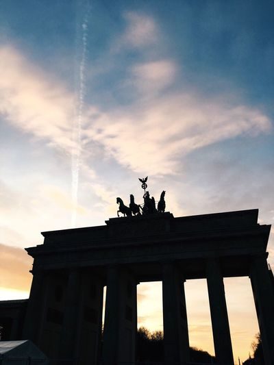 Architecture Statue Cloud - Sky Sky Built Structure History Silhouette Animal Representation Low Angle View Sculpture Architectural Column Travel Destinations Travel Ancient Sunset Tourism Building Exterior Outdoors City Gate Day Berlin VSCO Backgrounds