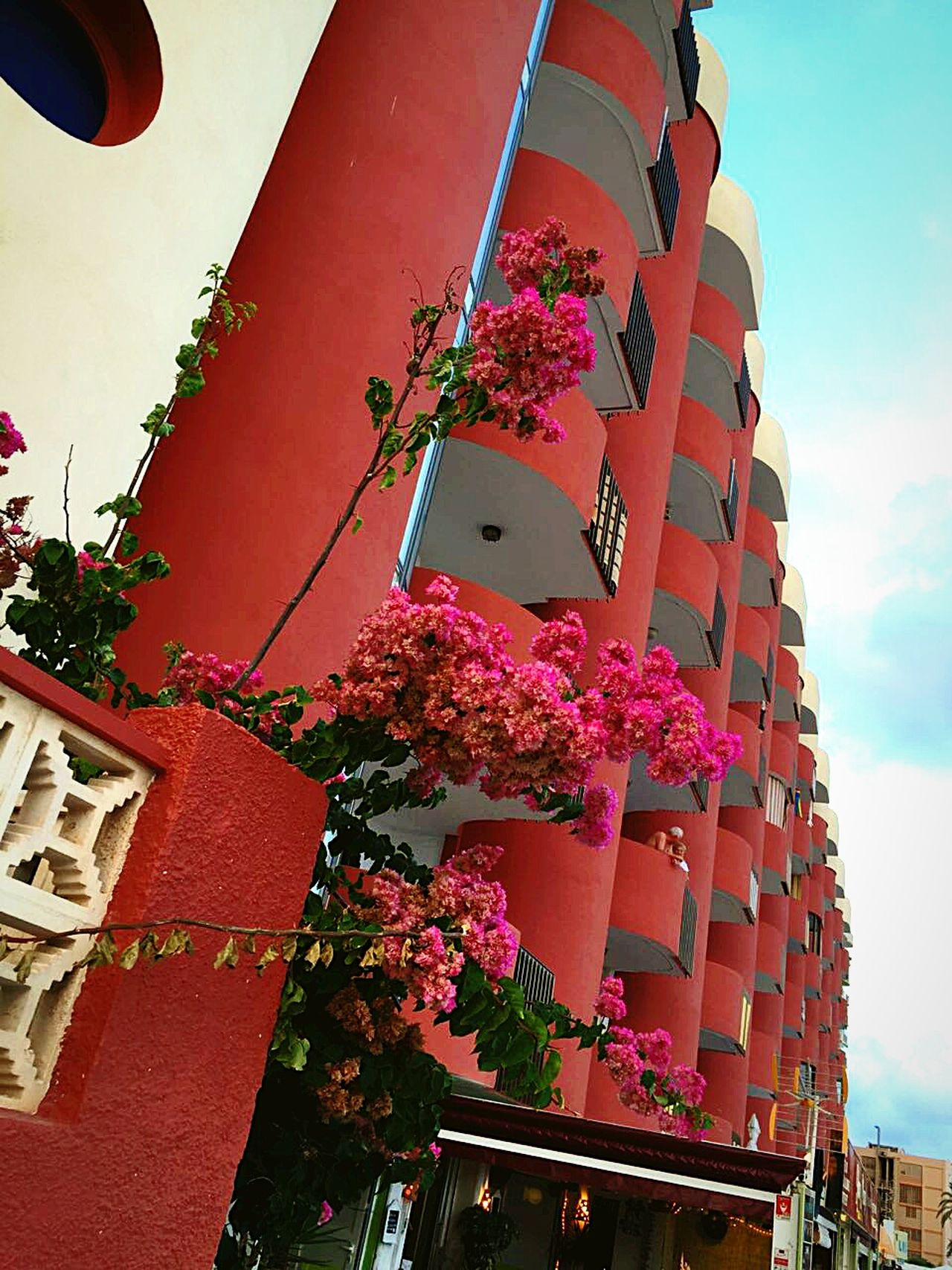 Architecture Outdoors Street City City Life Lookingup 🏩🌇🚶😁 Summer Relaxing Time Life In Colors Place Of Interest Beach Life Enjoying The View House Building Exterior Travel Photography Calpe Spain 😁🚶🌐🌇