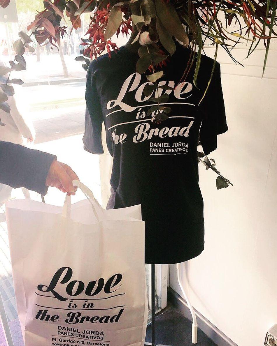 """Loveisinthebread Panescreativos Solidarity Children Tshirt Panaderia DanielJorda Camiseta EnergySupportBcn .@PanesCreativos 🙌🏻 @jordadaniel ¿Te sumas al #proyecto? #pontelacamiseta #niñosfelices #soliradidad #becascomedor #Educo 🙌🏻 👐🏻 Último Post #solidario del año para ti #PanesCreativos by #DanielJorda por tu gran iniciativa #solidaria 👫 """"ningún niño sin pan 🍞"""" #CamisetasSolidarias (agotadas hasta enero) Plaza Garrigo, 5 08016 Bcn 📞 +34 933 520 481 👕 info@panescreativos.com 👑 panescreativos.com #loveisinthebread #camiseta #bakery #panaderia #fleca #bread #pan #pa #tshirt #samarreta #solidari #solidarity #children #nens #niños Mira las fotos en: https://www.swarmapp.com/c/6EP7fAEGtaG 👫 #peques Mi gran debilidad❣ #diciembre2015 #prescriptores #Post @energysupport 📷 Photo Credit: #energysupportbcn #Barcelona #Catalonia #Spain #Europe #gracias #gracies #thankyou Lastpost DECEMBER2015"""