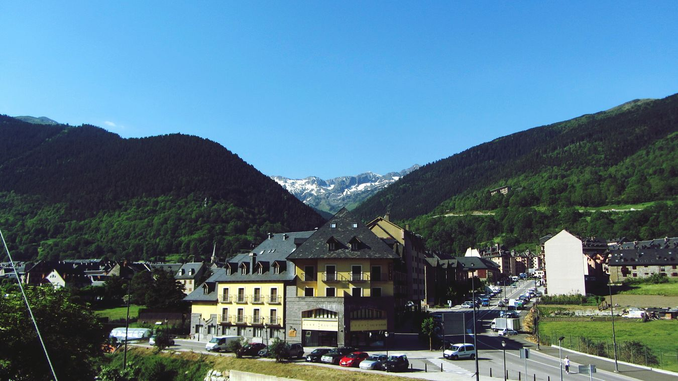 Nature_collection Landscape_collection EyeEmNatureLover Green Color Beauty In Nature Nature Photography Val D'Aran Nature Plant Tree Outdoors Clear Sky Sky Sky And Clouds Architecture Valley Valle De Aran Val D'Aran Taking Photos Photography