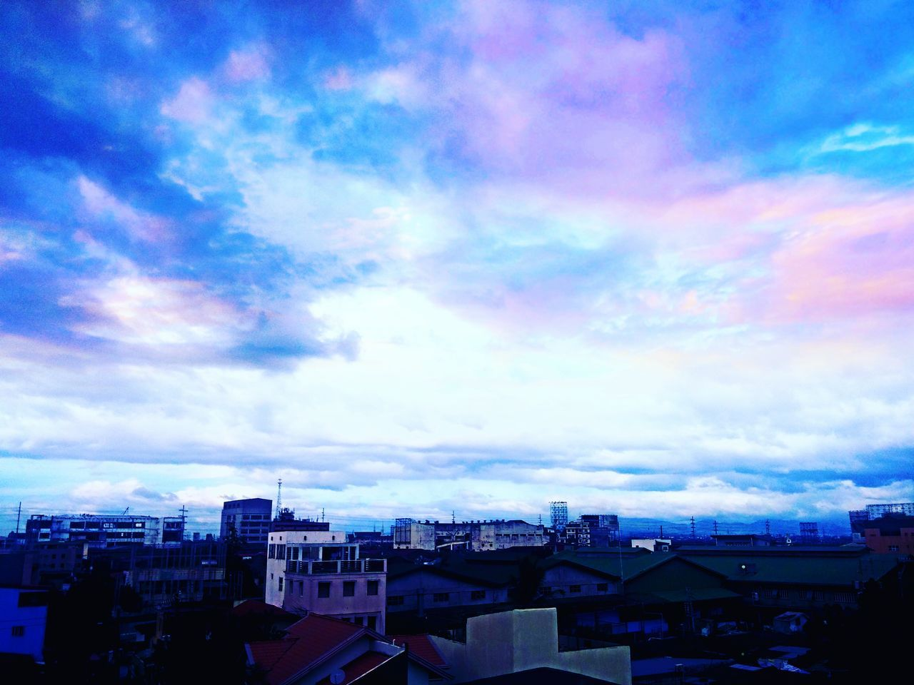 architecture, building exterior, built structure, sky, cloud - sky, no people, residential building, house, outdoors, city, cityscape, day, roof, nature