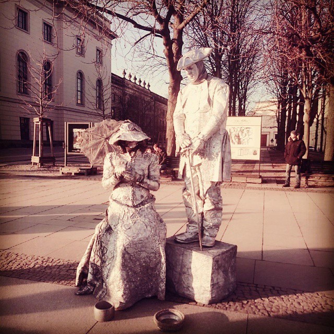 Living monuments :-) Monuments Berllin Artists