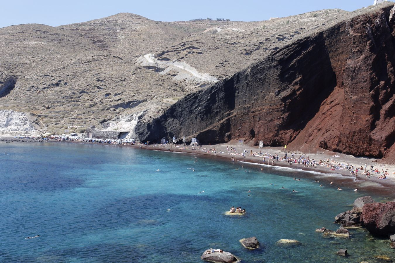 Red beach, Santorini, Greece (2016) Santorini Beachphotography Redbeach Redbeachsantorini Santorini Island Santorini, Greece Santorinivolcano Santoriniisland Greek Islands Greekislands Greece Greece Landscapes Greeklife Grecia Nature Nature Photography Landscape Landscape_photography Summer Travel Travel Photography Beautifuldestinations Redsandbeach Islandlife Canon6d