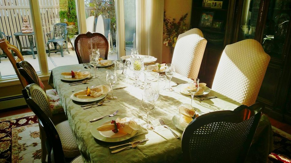 Dining Table Thanksgiving Celebration Family Gathering Place Settings Nice House Holiday Table Holiday Table Setting Dining Room Dining Room Table Dining In
