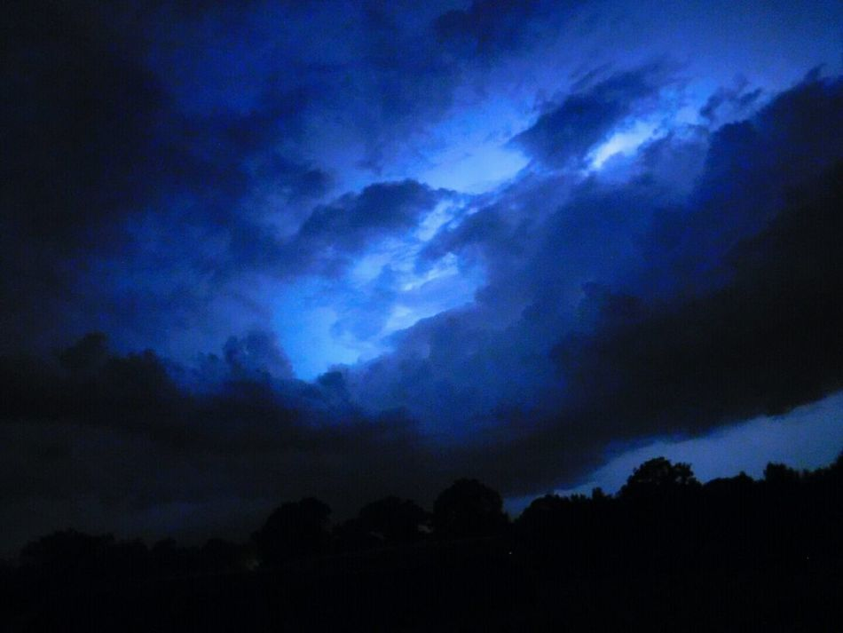 Thunder And Lightning Lightning Flash In Sky Beautiful Nature How's The Weather Today? Fierce Nature Brings Fierce Emtions