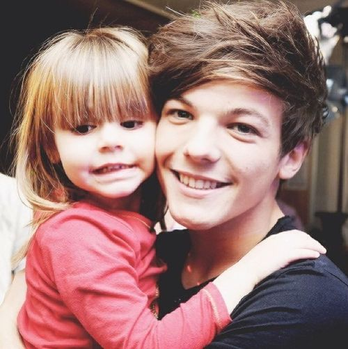 but im sitting herE CRYING BC HE COULD BE HER FATHERJDKDKSKDN