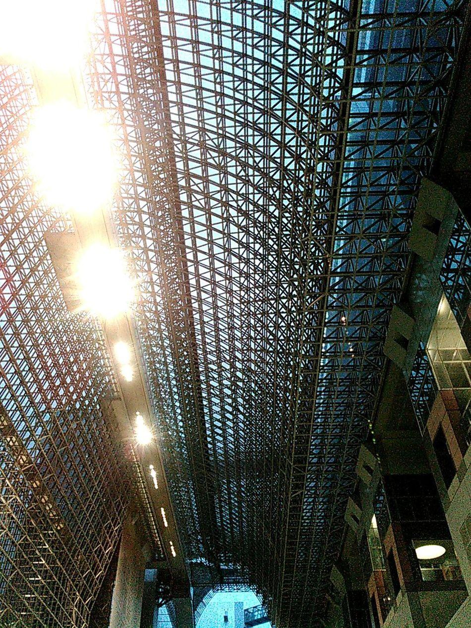 京都駅、喧騒と雑踏と、その上の静寂。 京都 Kyoto 京都駅 駅 Station Kyoto Station 京都駅ビル 京都駅 Kyoto Station