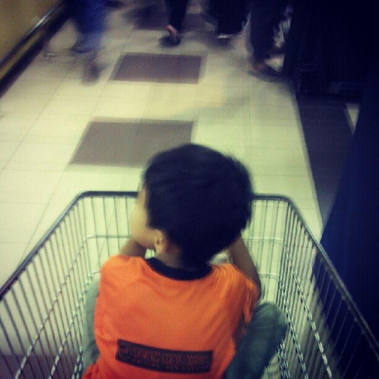 Hypermarket Podracing.