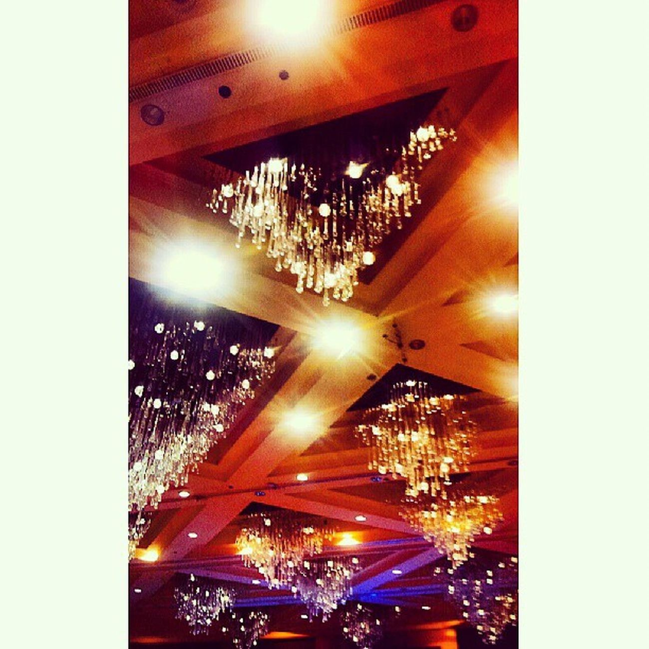 Chandelier Sofitelmanila Sofitel Luxuryhotel samsungphotography phonephotography s2photography