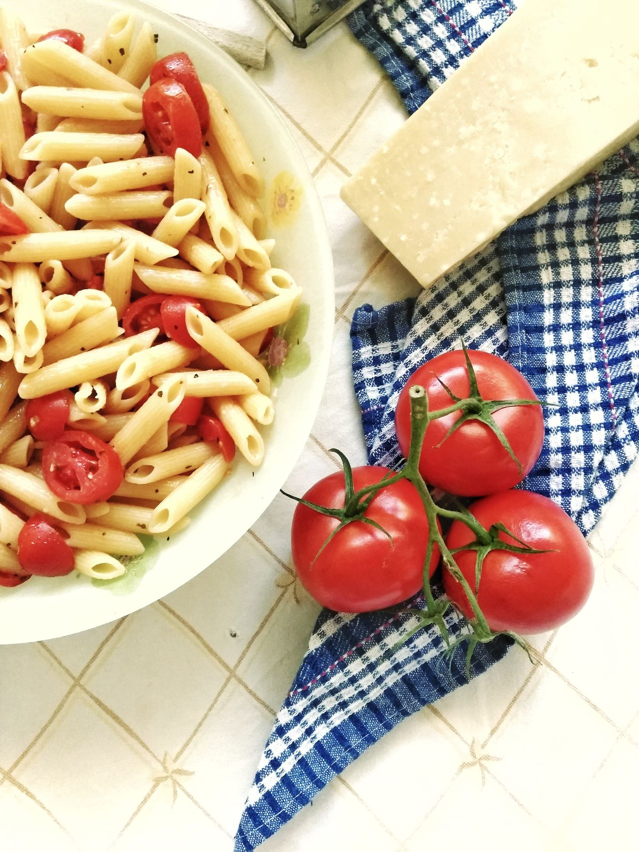 Freshness Food And Drink Indoors  Food Healthy Eating High Angle View Tomato Table Vegetable No People Plate Red Italian Food Healthy Lifestyle Ready-to-eat Day Close-up Mediterranean Lifestyle Bowl Mediterranean Food Diet Comfort Food Homemade Pasta Red