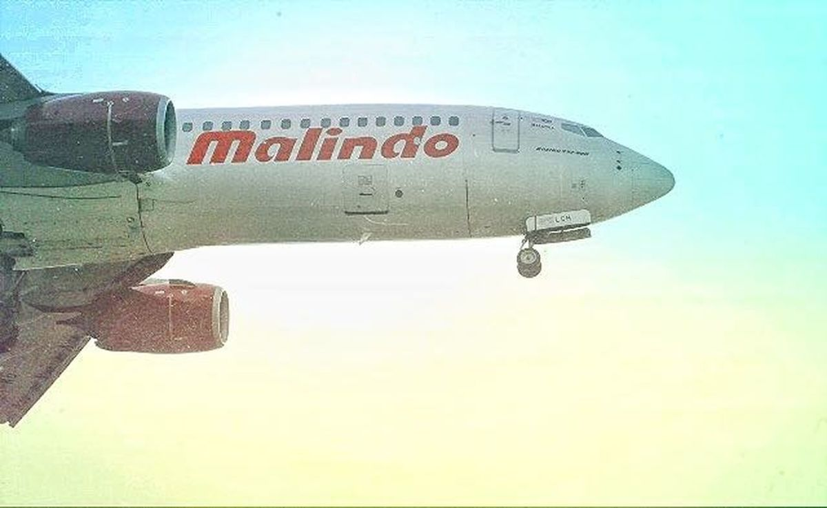Landing Plane Sky Outdoors EyeEm Team Aviationphotography KLIA 2 Mylens♡ Nature Adventure Malaysia Malindoair Malindoairlines