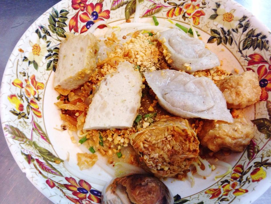 Yellow noodle with fish balls Yellow Noodle Fish Balls Rama 4 Heng Cheng Noodle Top View Dinner Yum Yum Yummy Delicious Bangkok Chinese Noodle Style Tom Yum Yellow Noodle