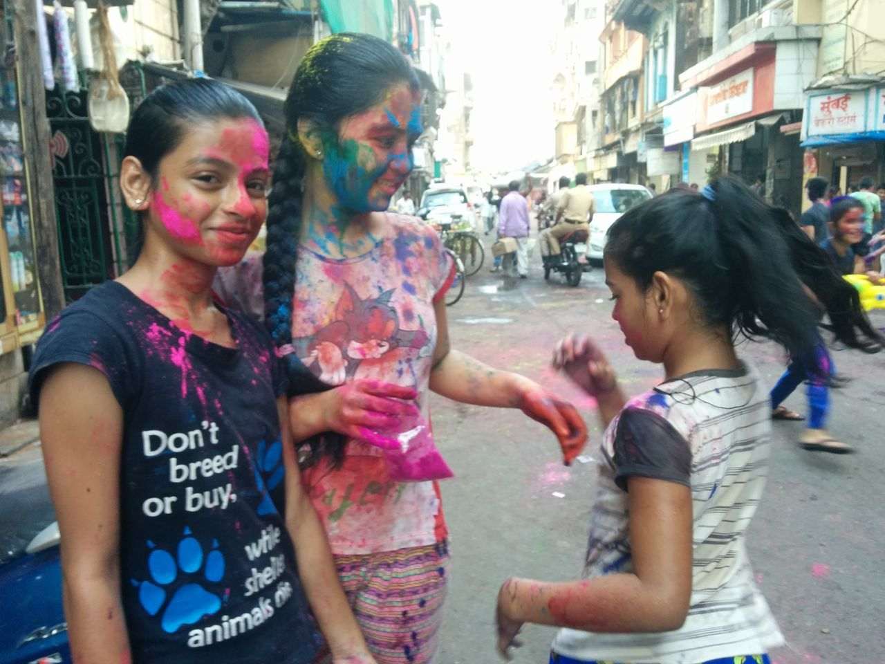 Talking Holi Celebration Togetherness Multi Colored Cultures Tradition Happiness Weekend Activities Separation Smiling Cheerful Fun Lifestyles Friendship People Outdoors Day Living Organism Adult Playing Holi ,colour Festivle