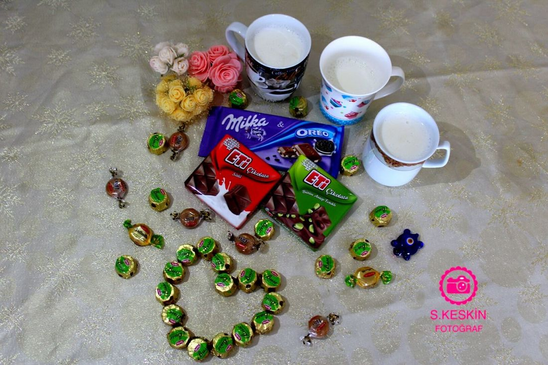 Eid mübarak 🐑Eid mübarak 🍫🍬 Eid Mubarak Eid Mubarak 2016 Food And Drink Milk Milka Oreo Oreo ♥ ETI Chocolate Chocolate♡ Chocolate Time Drink Friends EyeEm Best Shots First Eyeem Photo Mycollection Canon Eos 1200d Canonphotography SK Fotografii😊 Colorful Nature Eid Mubaaark ♡.♡ Turkey Colors Of Life Heart Candy