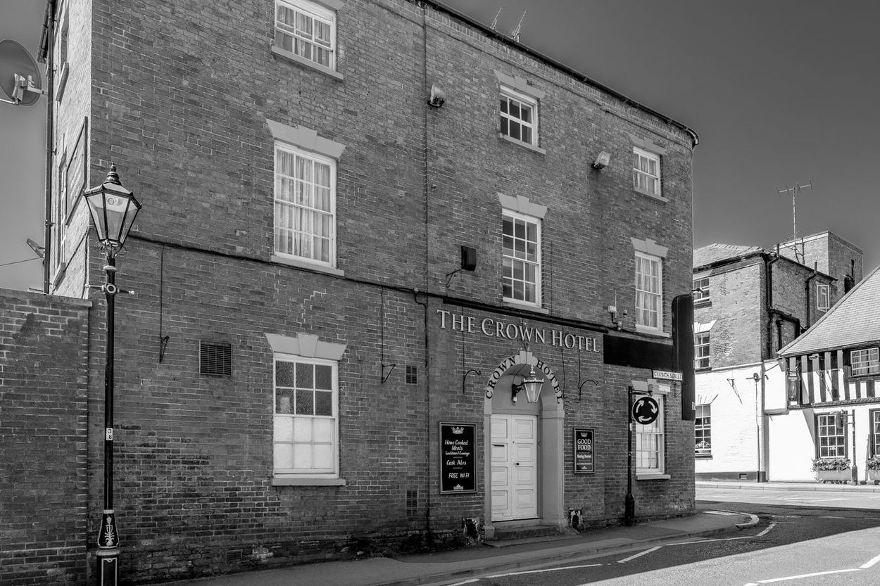 The Crown Hotel, Southwell, Nottinghamshire Architecture Pubs Nottingham Pubs FUJIFILM X-T2 Monochrome Photography Black And White Blackandwhite Southwell Hotel