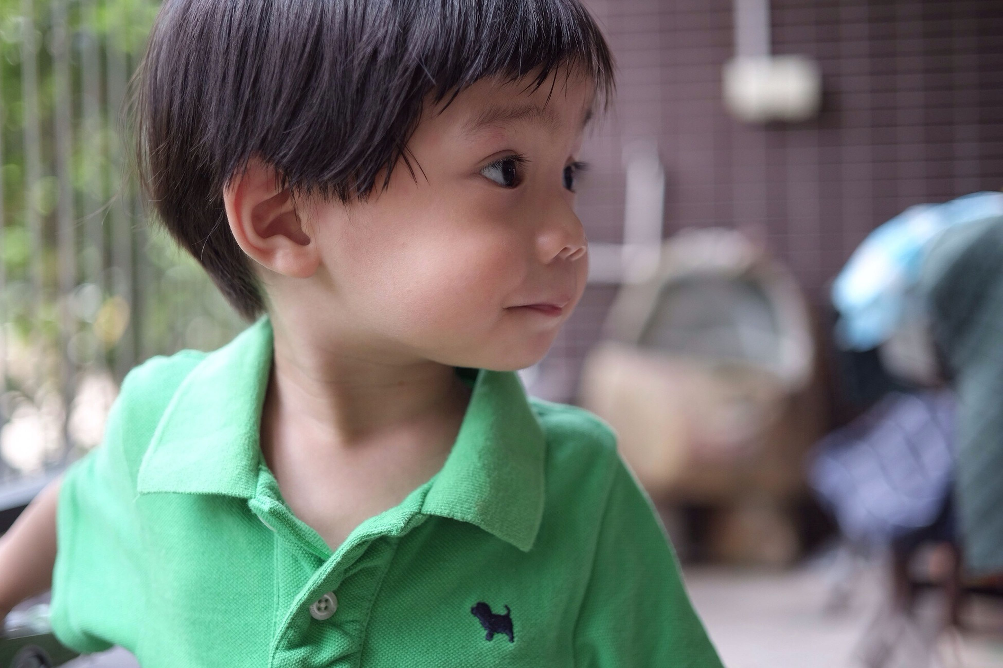 person, focus on foreground, lifestyles, headshot, portrait, childhood, looking at camera, leisure activity, elementary age, boys, casual clothing, front view, smiling, innocence, waist up, cute, close-up