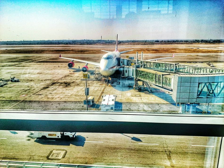 Urban 4 Filter Boarding Plane Hello World On The Run Waiting Check This Out