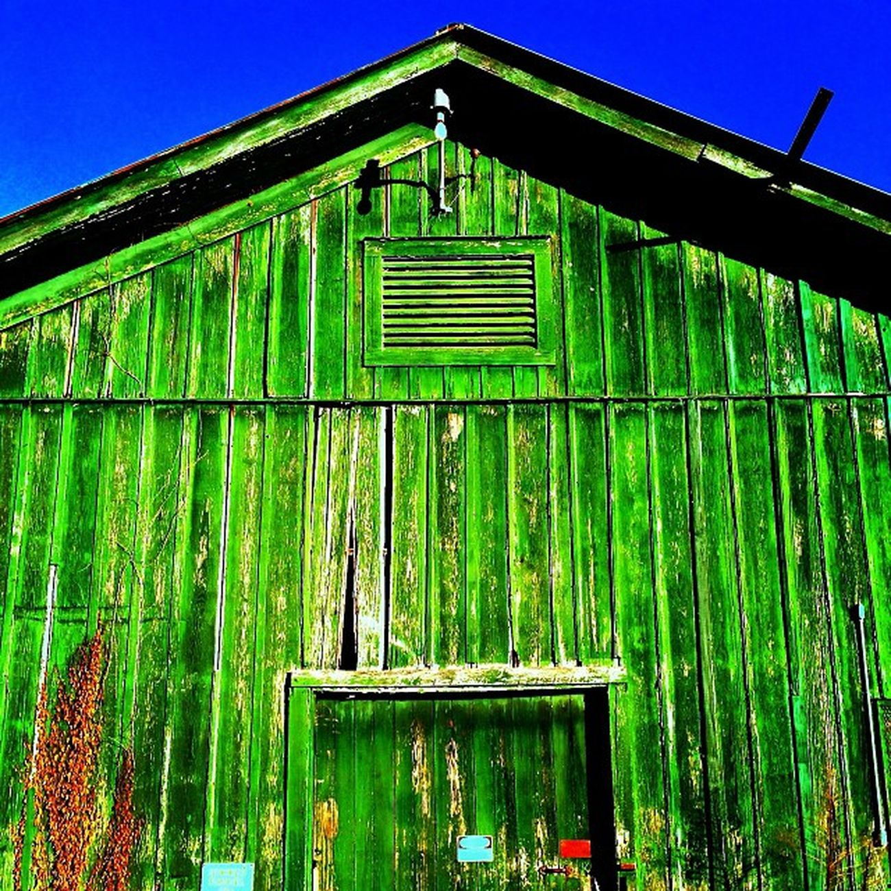 Abandoned Creepy Classic Haunted Barn Broken Closed Dilapidated Louisiana Condemned Trailblazers_rurex BatonRouge Deepsouth OutcastAmerica Onlylouisiana Louisianatravel Abandonedlouisiana Trb_love_shack_baby Brusly