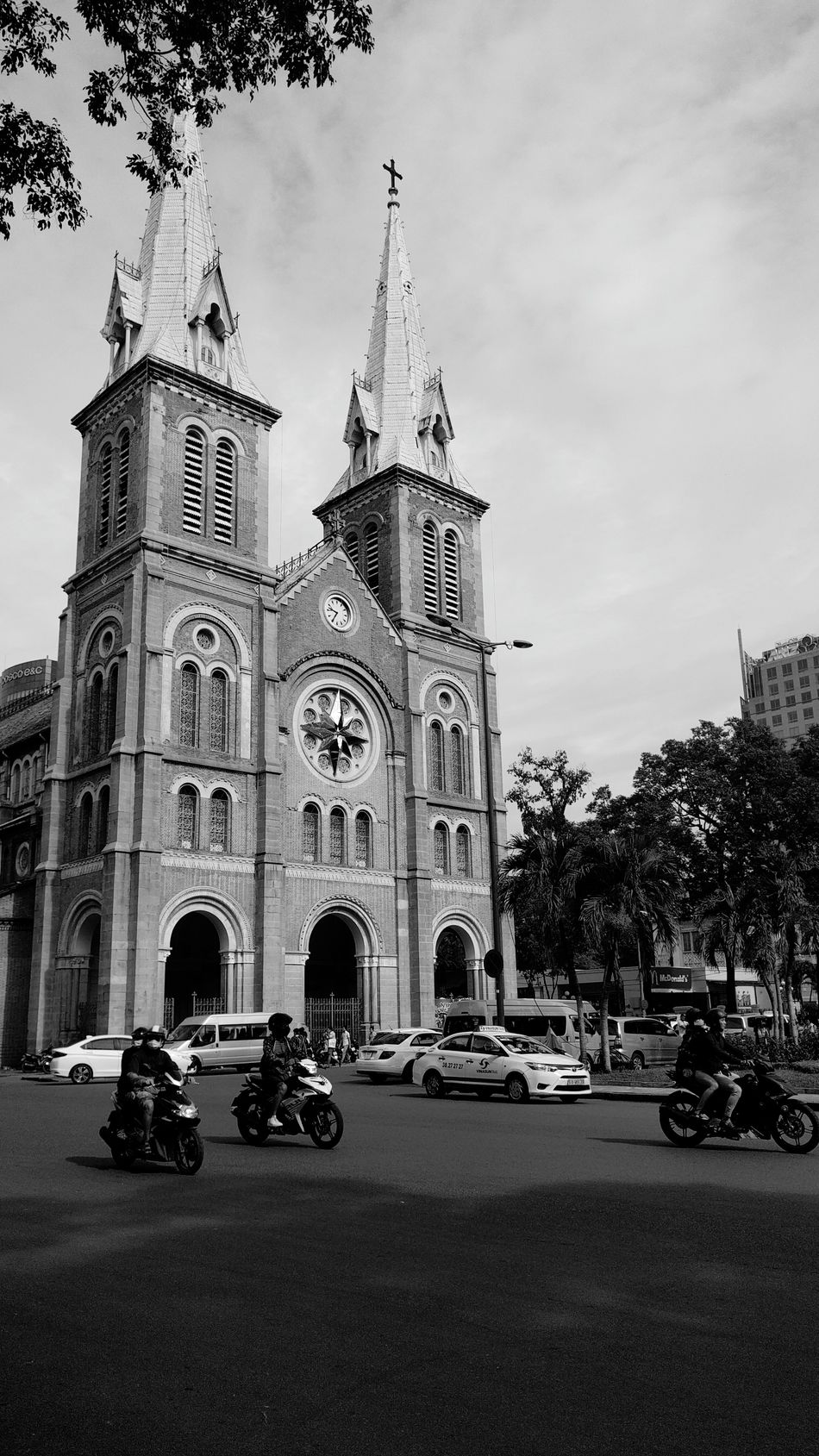 Car Architecture Clock Luxury Travel Destinations History City No People Building Exterior Yellow Taxi Outdoors Sky Clock Tower Day Nhathoducba Saigon Weekend
