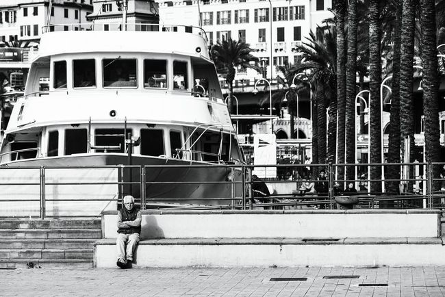 Waiting Outdoors Building Exterior Sea Horizontal Day No People Architecture Street Photography Open Edit Fresh 3 Eye4photography  EyeEm Best Shots Tourism City Streetphotography Blackandwhite Blancoynegro Blanco Y Negro Black And White Streetphoto_bw Streetphotography_bw One Person