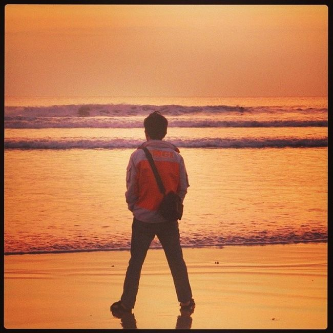 Let's see behind and Change to the future. Exploringindonesia Beach Bali Kuta betsvacation