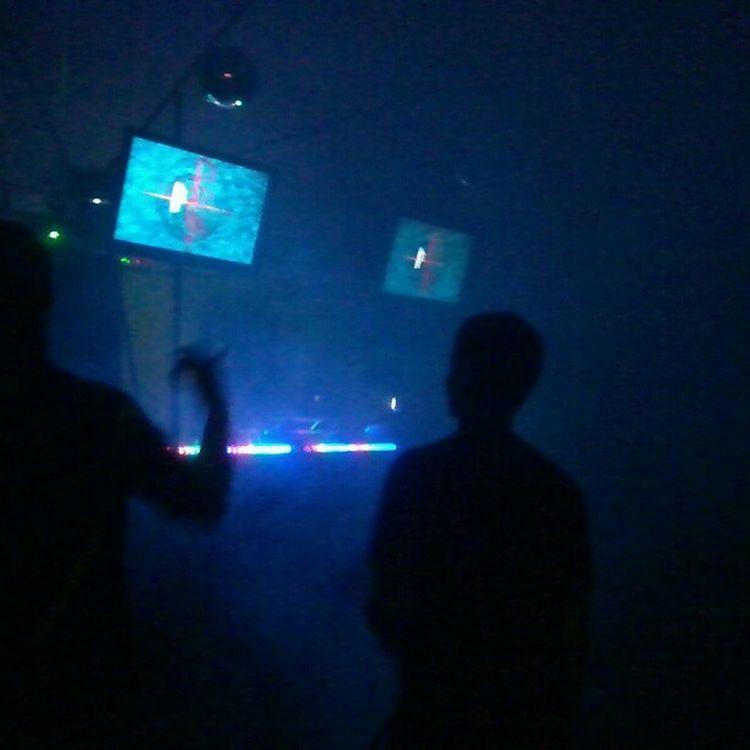 Isso e baile waaaaaaive!!! Rave Music Overdone Go Dance