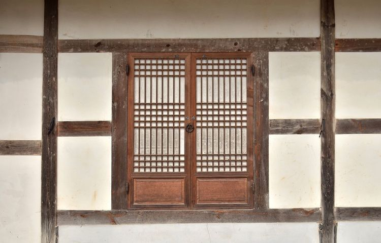 Traditional door / Korea . Pattern Building Exterior Korea Tradition Woodn Hanok Built Structure Architecture Door Traditional Door Korea EyeEmNewHere