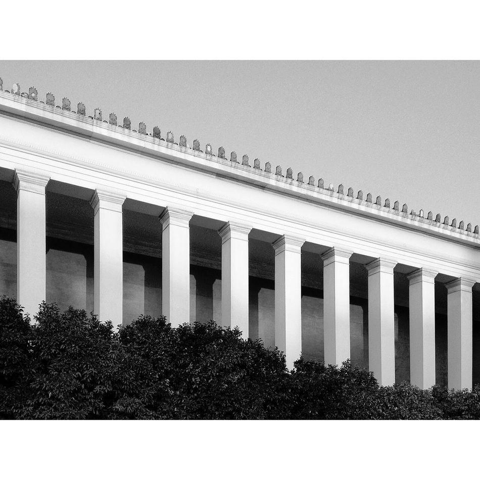 serial EyeEm Best Shots Classicism Blackandwhite Monochrome Museum Diagonal