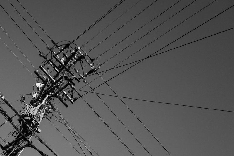 Bnw_friday_eyeemchallenge Black & White Black And White Electric Lines 電柱