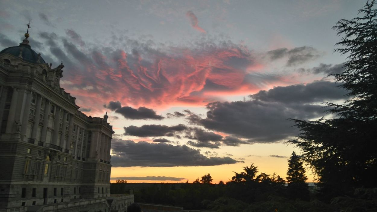 Madrid's Skies Sky And Clouds Cloudscape Skyscape Eye4photography  Daydreaming Beautiful Nature Beautiful Day Historic City Cityscape Enjoying Life Ilusions