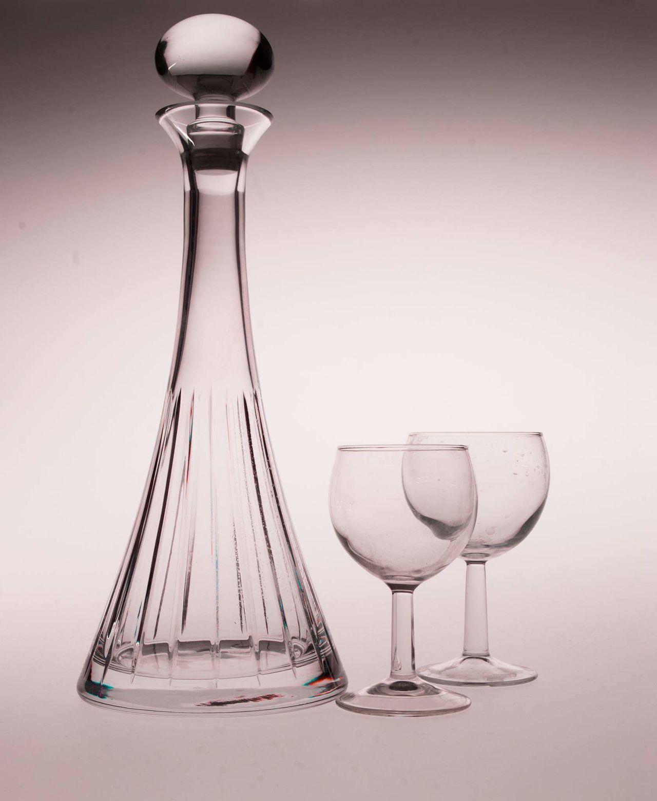 Close-up No People White Glass Reflection Glass Art Glass Objects  Glassware Glass Bottle Glass Of Wine Studio Studio Shot Studio Photography Student Studio Shoot