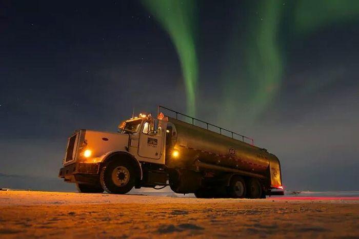 Northern light's abive the arctic circle, about 50 below zero this night......burrr Oilfield Arctic Ocean Arctic