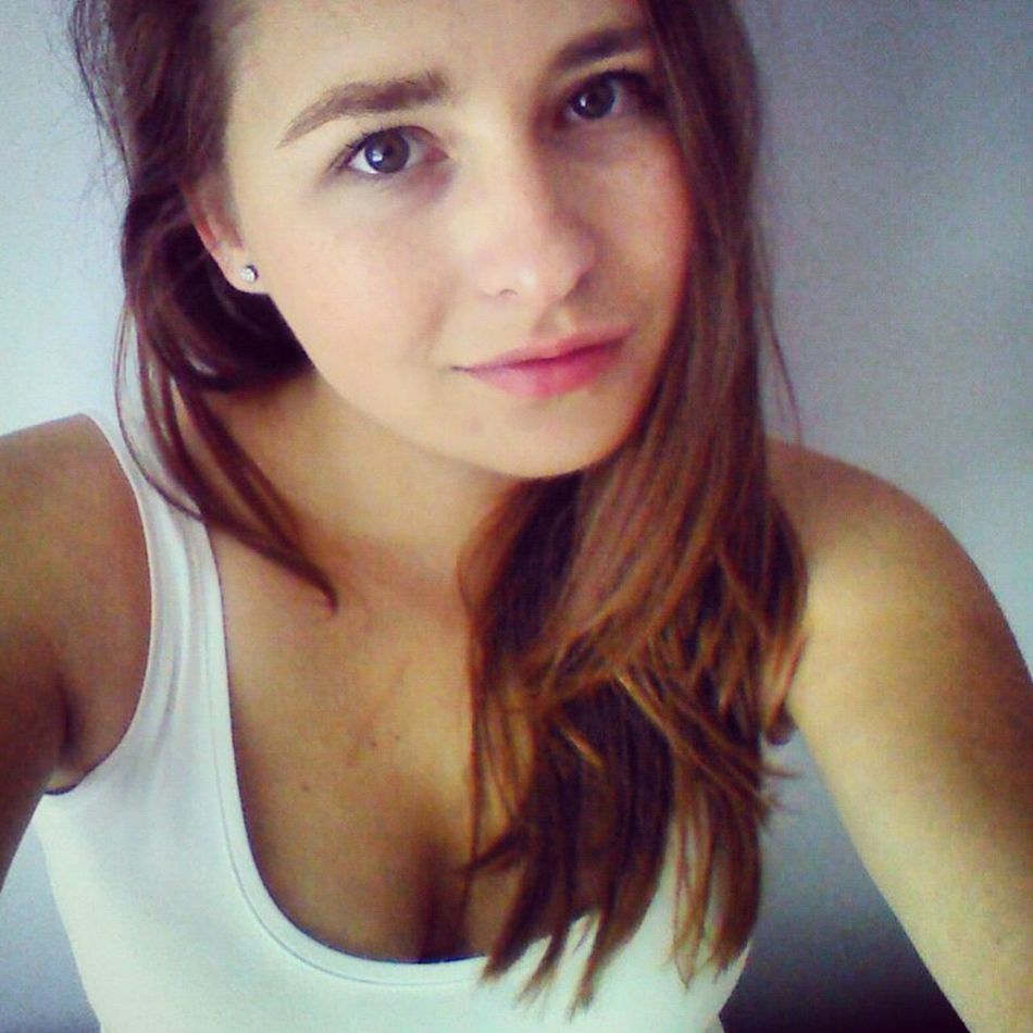 Woman Portrait Woman Polish Woman Polishgirl Brunette Long Hair Portrait Of A Woman Portrait Self Portrait Selfie ✌