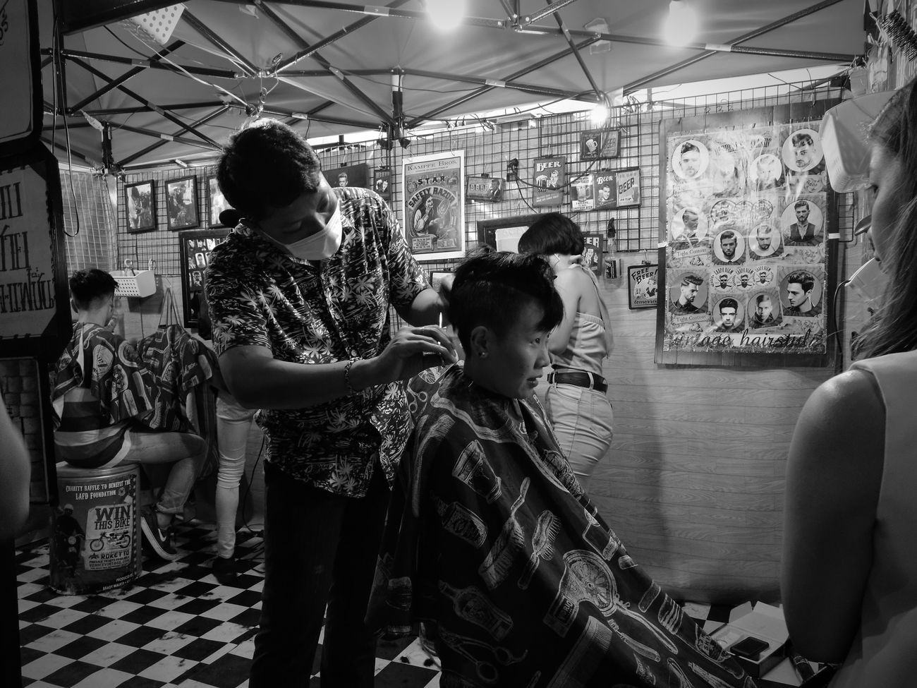 People Life Barber Stylish Oldschool Black And White P9 Huawei Bangkok Streetphotography Real People Outdoors