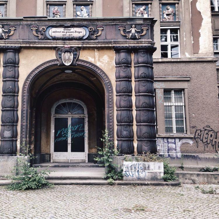 Abandoned Places Abandoned Hospital Graffiti