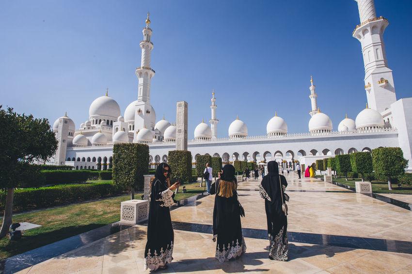 Abu Dhabi Arab Grand Mosque Mosque Sheik Zayed Mosque Tourist Attraction  Veiled Woman Worship First Eyeem Photo