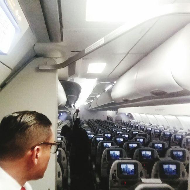 The ofice....my ofice Ofice Airplane That's Me Enjoying Life Flight Attendant Peruvian Boy Flight ✈