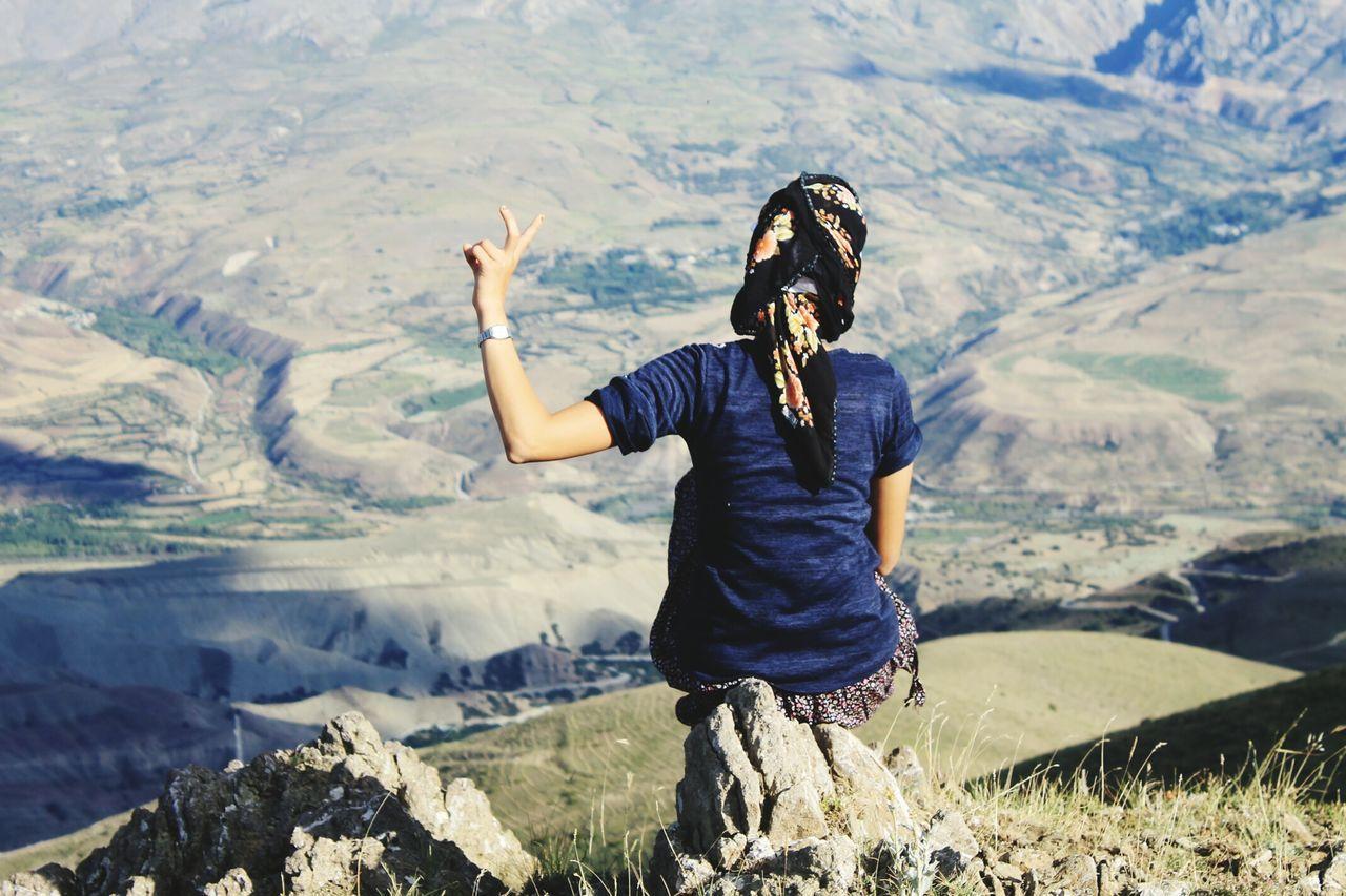 Mountain Top Dağınbaşı A Woman Bir Kadın Seyahat Travel Erzincan Yayla