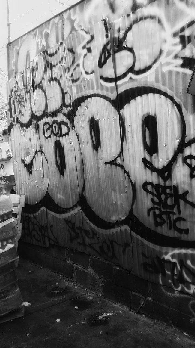 Neighborhood Graff Crawl. Bronx, NY. Artist: Cope Taking Photos Check This Out Graffiti Streetphotography Streetphoto_bw Streetart Bronx Bronx, New York Cope Gritty Grittycity Grittyimages Art Blackandwhite EyeEm Best Shots - Black + White EE_Daily: Black And White First Eyeem Photo