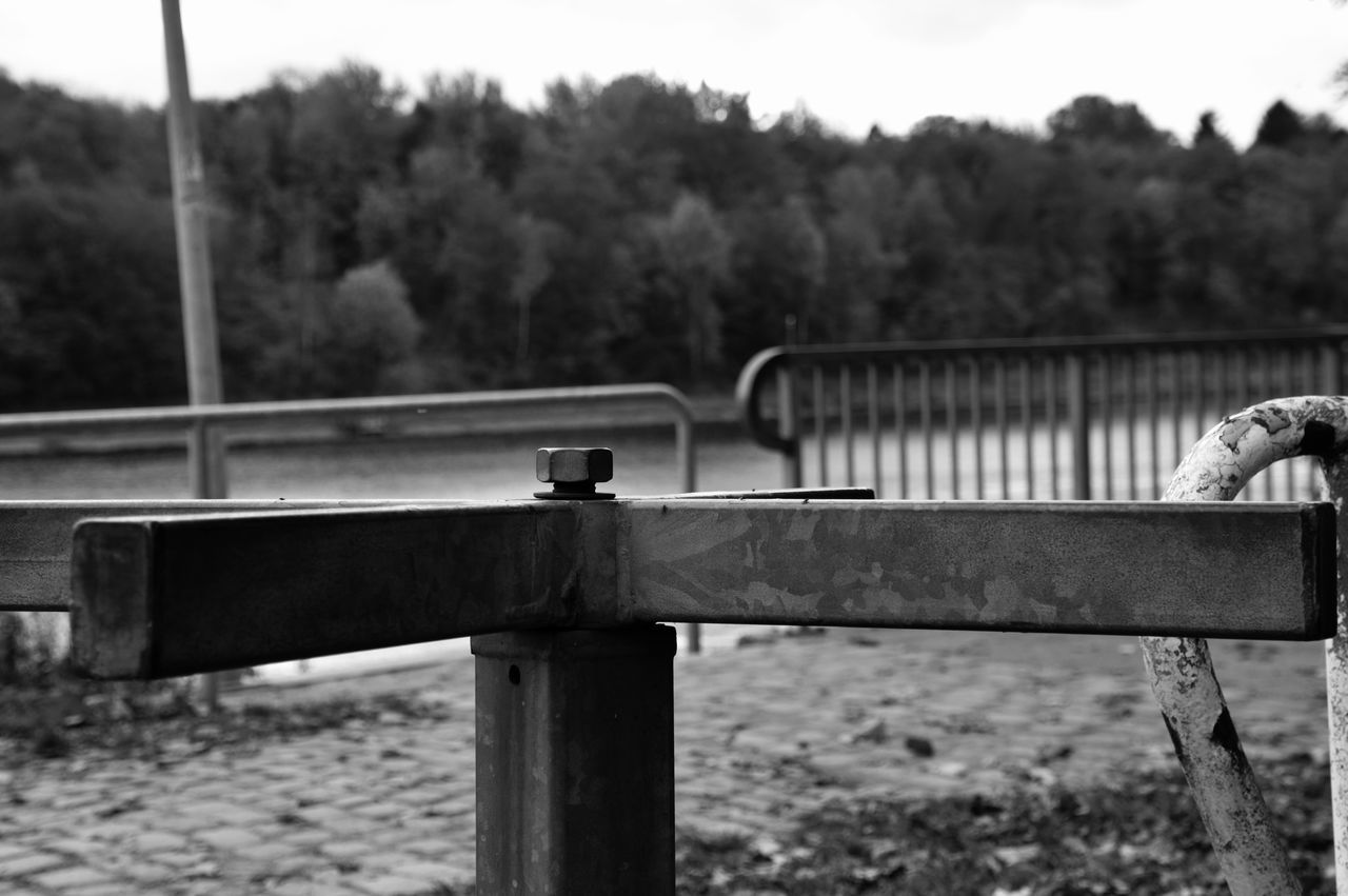 Day Tree Outdoors No People Nature Sky StillLifePhotography From My Point Of View Eyeem Photography Monochrome Monochrome Photography Turnstile Nut Nuts And Bolts Old Railings Water_collection Water Eyeemphoto Outdoor Beauty Blackandwhite Photography