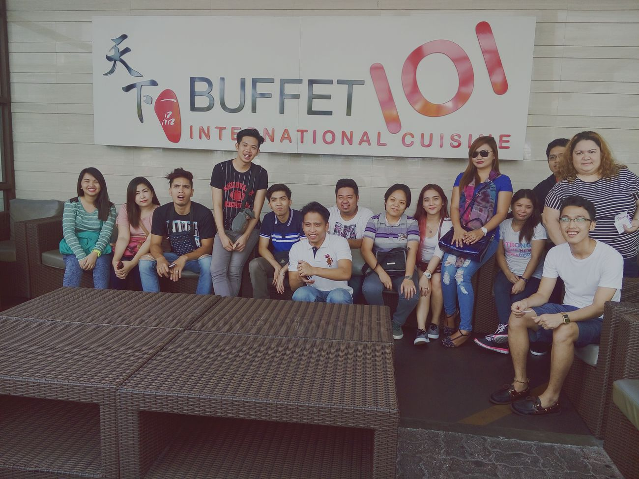 Buffet101 Internationalcuisine Team Lunch Bosses Avp Asians Taking Photos Hanging Out Enjoying Life